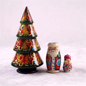 Russian Matryoshka Nesting Doll Christmas Tree
