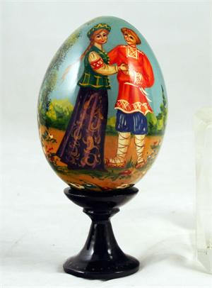 Russian Wooden Egg The Couple View 1